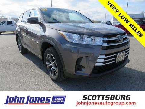 Pre-Owned 2017 Toyota Highlander LE AWD 4D Sport Utility
